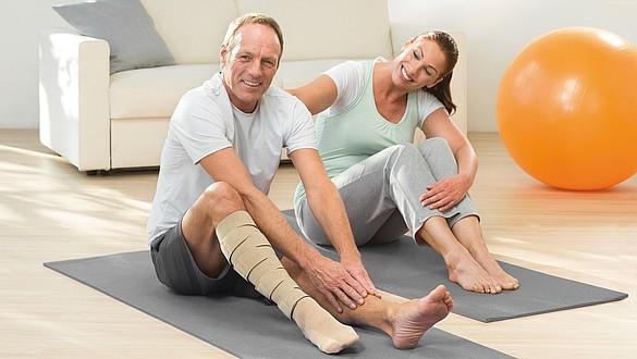 Desbridamento da ferida da úlcera venosa da perna com medi